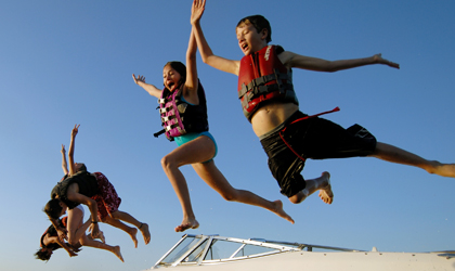 Nine ways to make your kids fall in love with boating